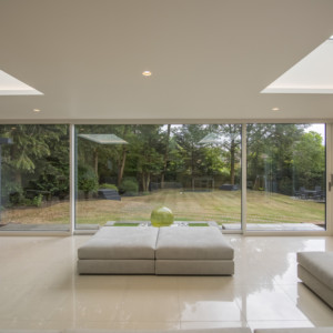 Burks-Drive-Beaconsfield - Case Study Schuco - Interior Photo