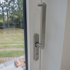 Burks-Drive-Beaconsfield - Case Study Schuco - Door Handle