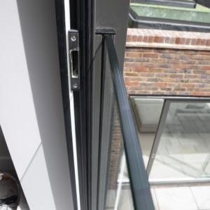 Burks-Drive-Beaconsfield - Case Study Schuco - Door Glass