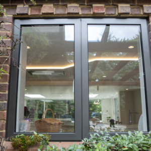 Burks-Drive-Beaconsfield - Case Study - Schuco - Window